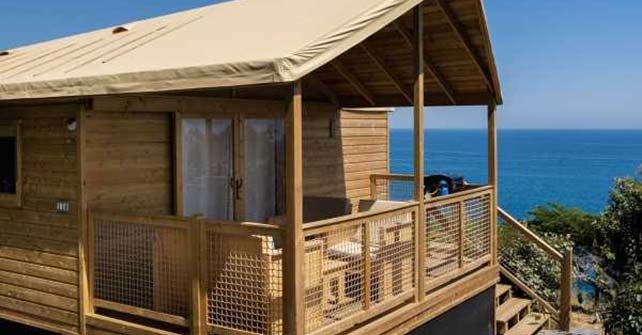 """ECOLODGE  <br><span class=""""subtitle-room"""">2 chambres – 7 pers. max – Côté mer</span>"""